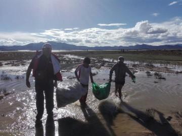 Alumnos del Zampa se comprometen y recogen basura de La Laguna