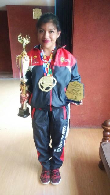 Camargueña Acuña ganó 4 medallas de oro en sudamericano de potencia