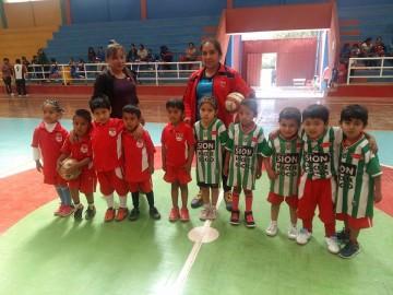 Campeonato futsal mixto reúne a más de 80 niños y niñas