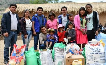 Donaciones llegan a familia de huérfanos cuyos padres murieron por el rayo
