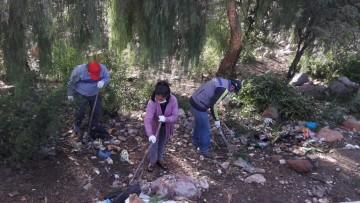 El Kinder 12 de Abril abraza el desafío Basura Challenguer para limpiar el río