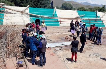 En marcha la refacción del coliseo de Incahuasi destruido por la nevada