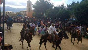 """En Villa Charcas la gente disfruta de un Carnaval """"abierto"""""""