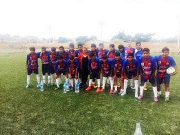 Escuela de fútbol de Las Carreras llega a cuartos de final y cumple