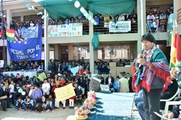 Evo entrega aulas y equipamiento para el colegio Junín de Incahuasi