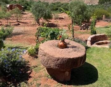 La piedra de molino se colocará en la plaza de Villa Abecia