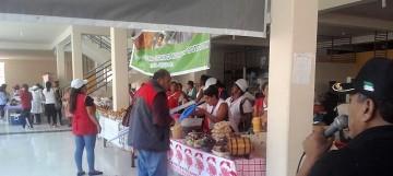 Más de 30 mujeres enseñaron la capacidad productiva artesanal de Camargo