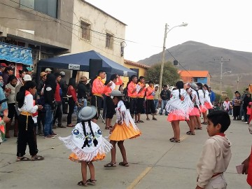Masiva presencia de feligreses acompaña la fiesta de la Virgen del Rosario