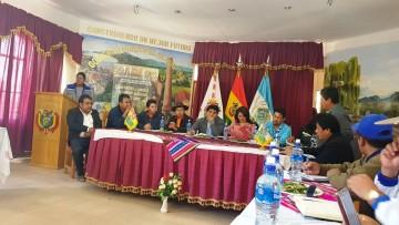 Ministro compromete restricciones a la importación de cebolla