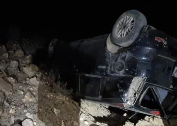 Muere el conductor de un Noah al embarrancarse en San Lucas