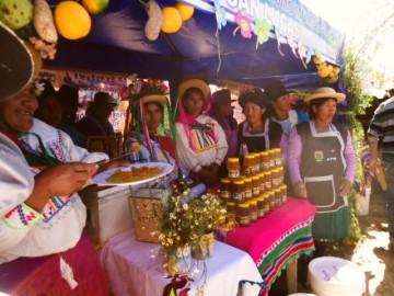 Mujeres de Pulquina ganan concurso de emprendedoras en San Lucas