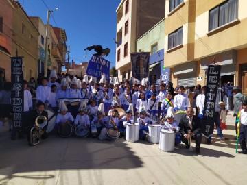 Padres pagan a maestros en la U.E. Isidoro Leytón Ibáñez de Culpina