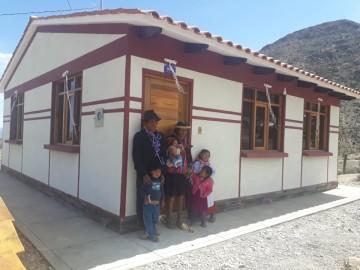 Rosalinda y su familia estrenan casa en Cabrería de Culpina
