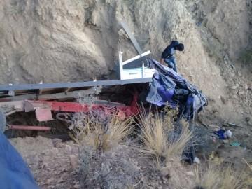 Seis personas mueren al volcar un camión cerca de Palacio Tambo
