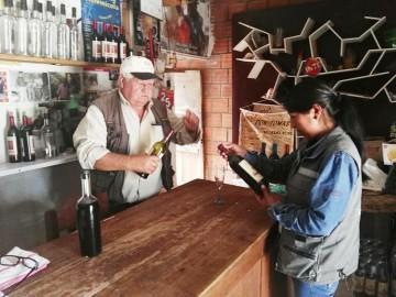 """Tomás Daroca """"tiró anclas"""" en Villa Abecia para producir vinos y singanis"""