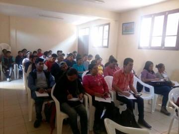 Una oficina itinerante del SEGIP presta atención en Las Carreras