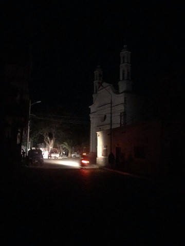 Vecinos de los Cintis protestan por cortes repentinos de energía eléctrica