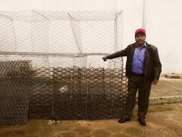 Villa Charcas recibe alimentos y mallas de gaviones para damnificados