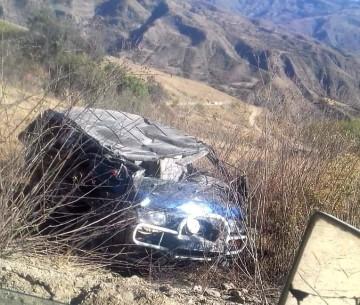 Vuelco de trufi en el camino a Santa Elena deja una mujer fallecida
