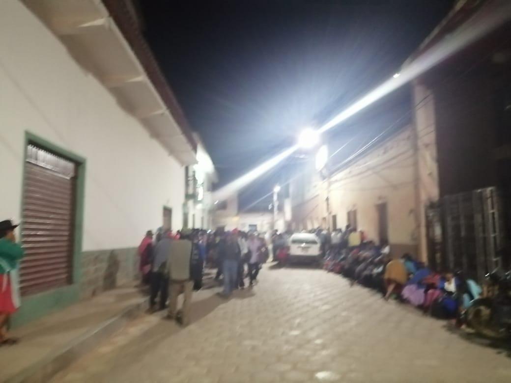 Campesinos piden la renuncia del alcalde y éste tilda de político la toma de la Alcaldía