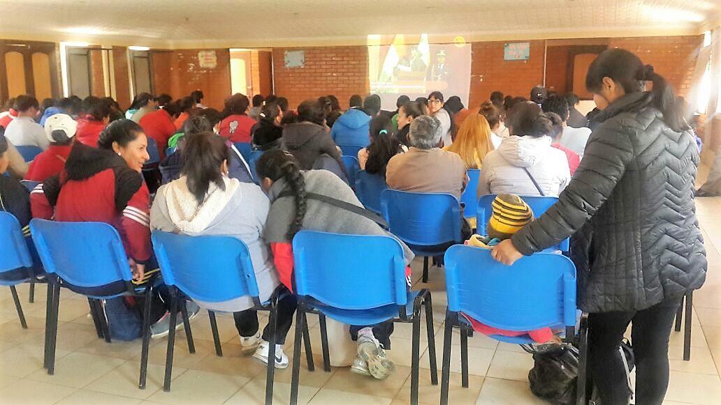 Casi 300 maestros participaron de un encuentro internacional por videoconferencia
