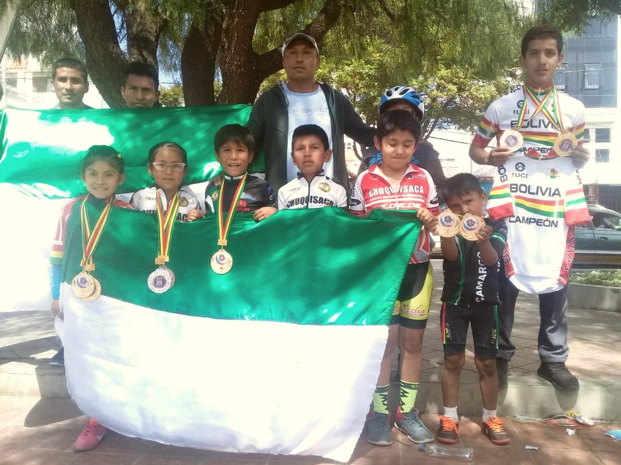 Ciclistas camargueños cosechan medallas en torneo nacional
