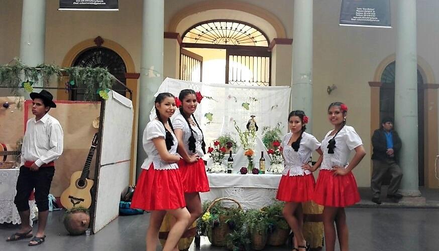 Cuarto A de Turismo representa la festividad  del Señor Santiago de Camargo