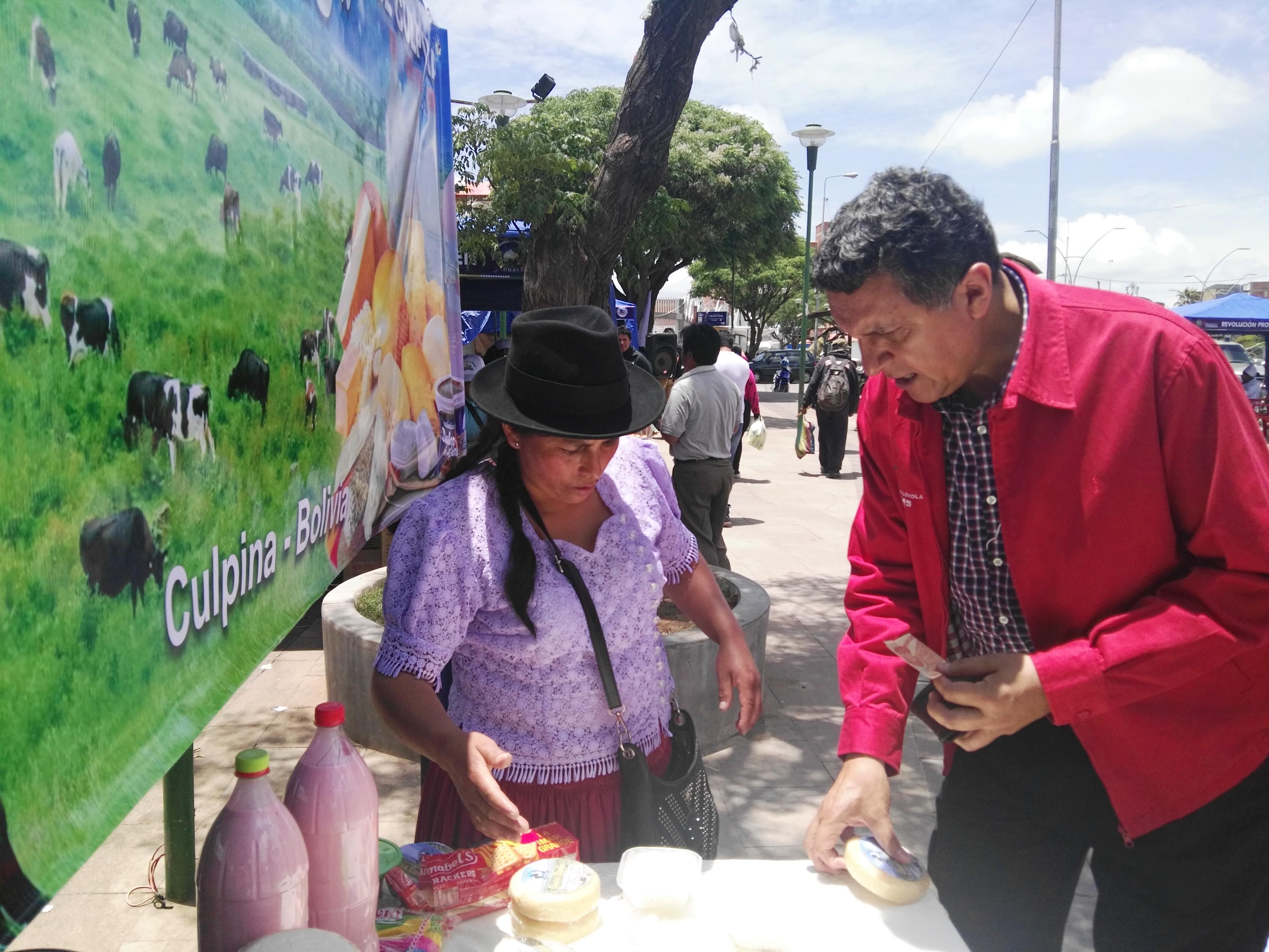 Feria de emprendedores culpineños en Sucre recibe amplio respaldo