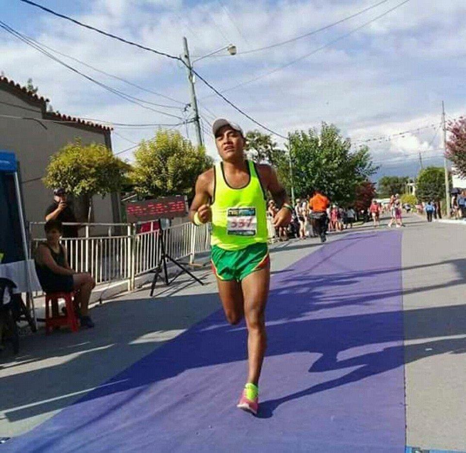 Juan Carlos Pua fue segundo en la maratón de Rosario de Lerma