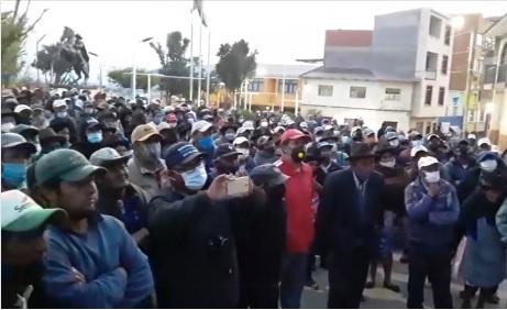 La gente de Culpina sale a reclamar y el alcalde renuncia sorpresivamente