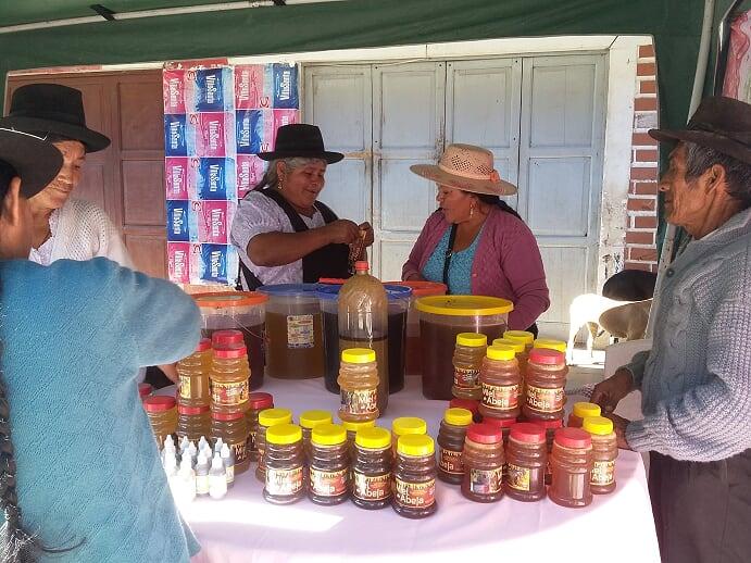 Mujeres emprendedoras de Camargo exponen sus iniciativas económicas