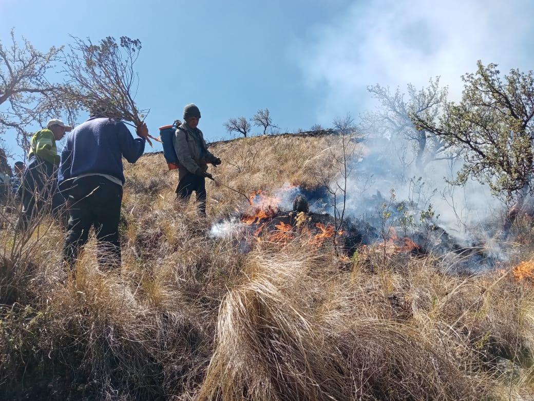 No llega anunciado socorro a San Lucas para apagar incendios
