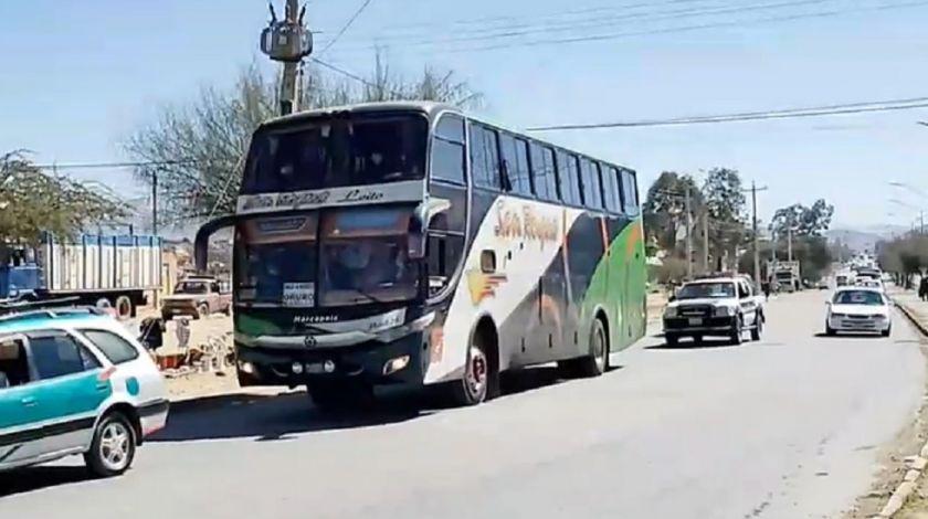 Pasajero toma el volante de un bus al evidenciarse que el chofer estaba ebrio