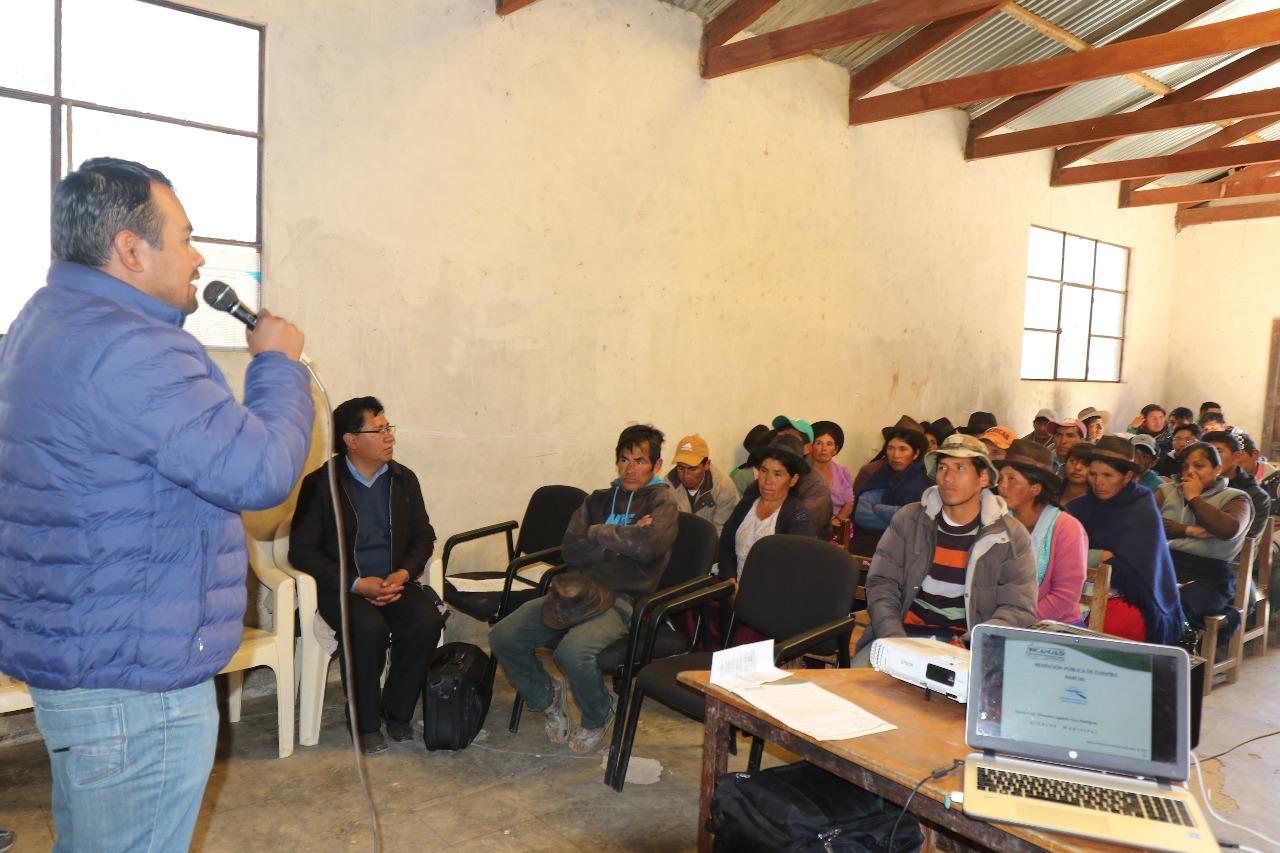Rendición de cuentas deriva en apoyo al alcalde Filomeno Cruz