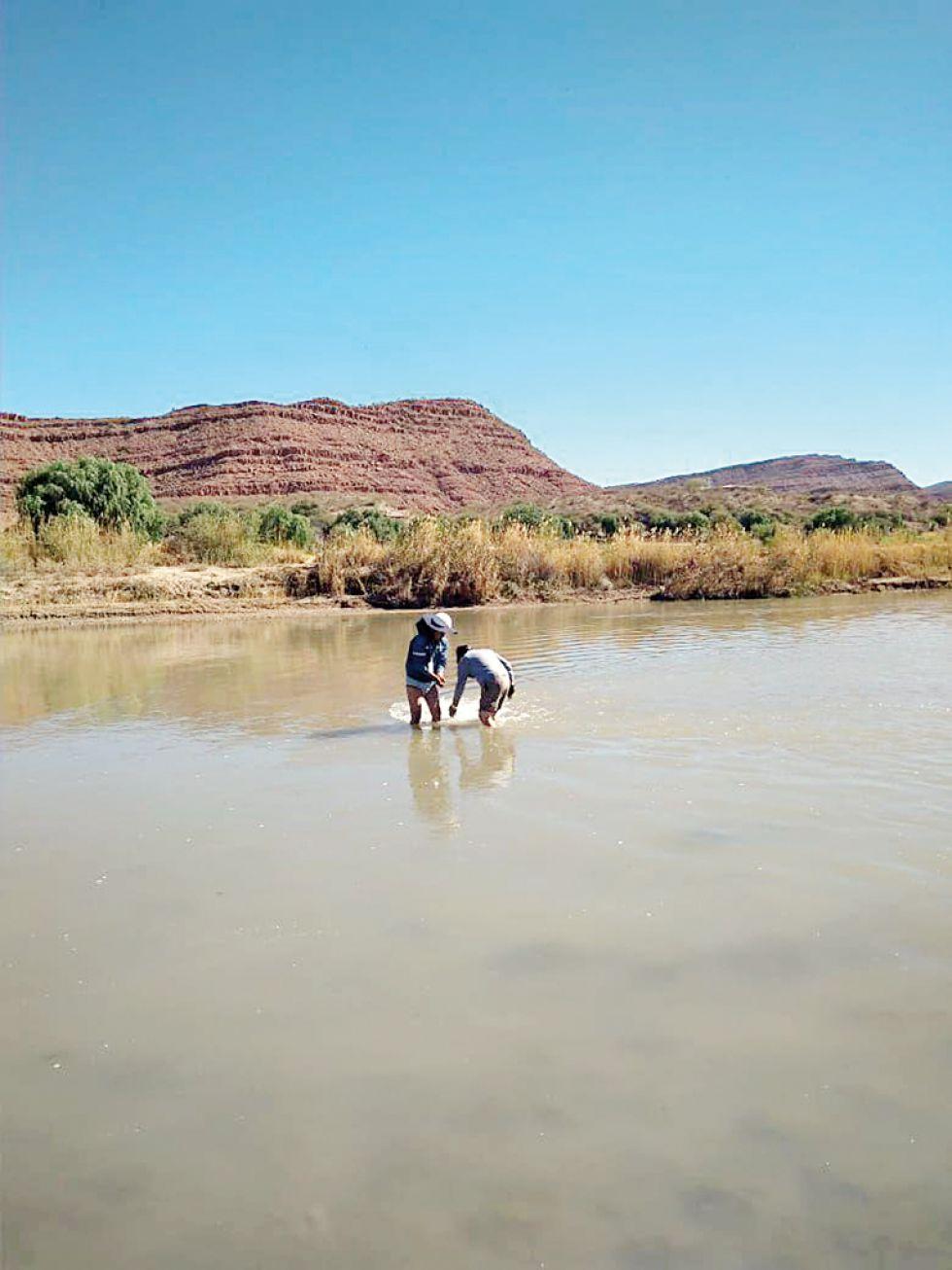 Reparan ducto averiado en el río San Juan del Oro entre El Puente y Las Carreras