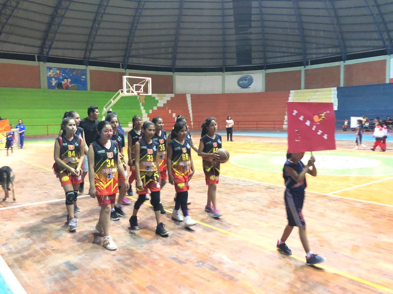 Tarija gana torneo corto de básquet U-12 niñas en Camargo