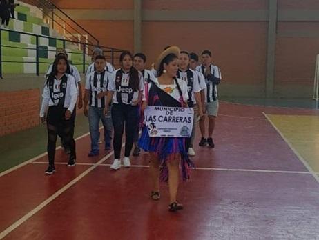 Unos 40 equipos compiten en el torneo de residentes cinteños en Sucre