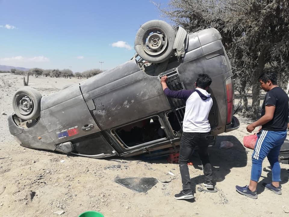 Vuelca un miniban en el trayecto Saladillo-Sajlina; no hay heridos